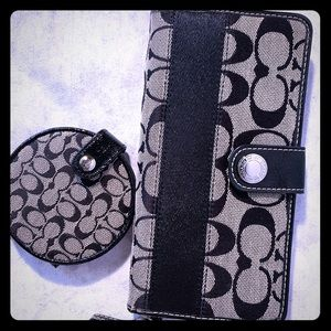 Coach Wallet And Matching Purse Mirror